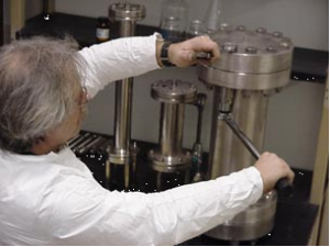 Neuland-Lab-API-Manufacturing-Image1